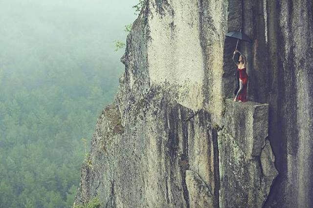 professional_mountain_guide_takes_daredevils_up_mountains_to_do_something_out_of_the_ordinary_640_15