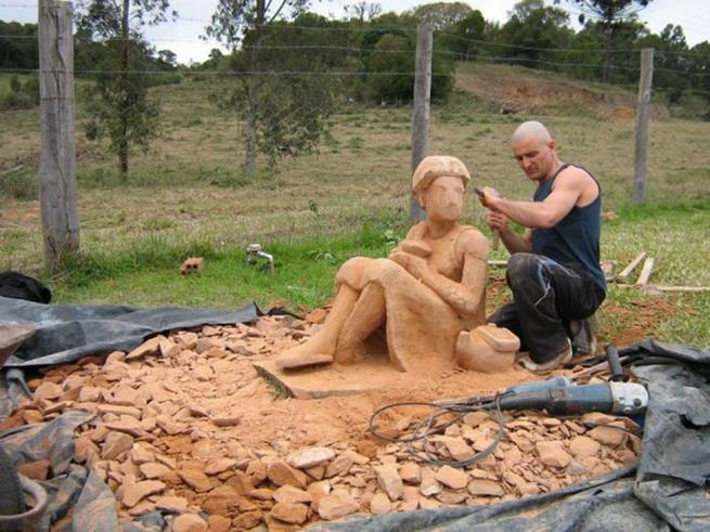 sculpture_made_of_stone_11