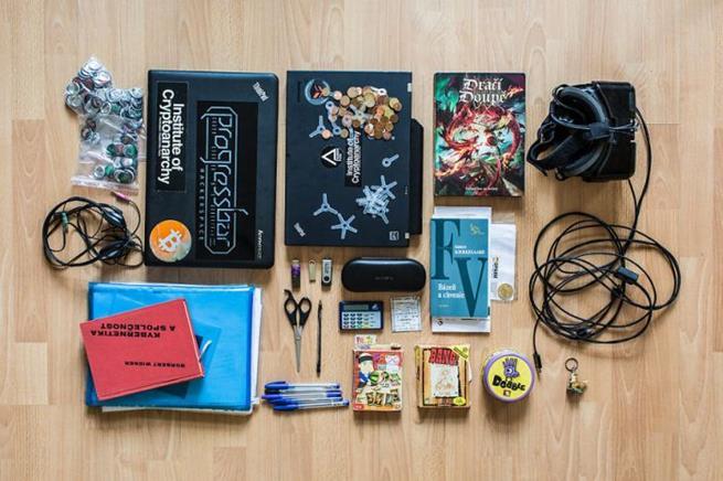 hackers_backpack_02