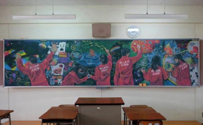 drawings_on_a_blackboard_04
