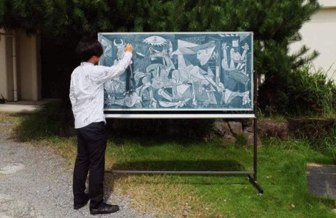 drawings_on_a_blackboard_07