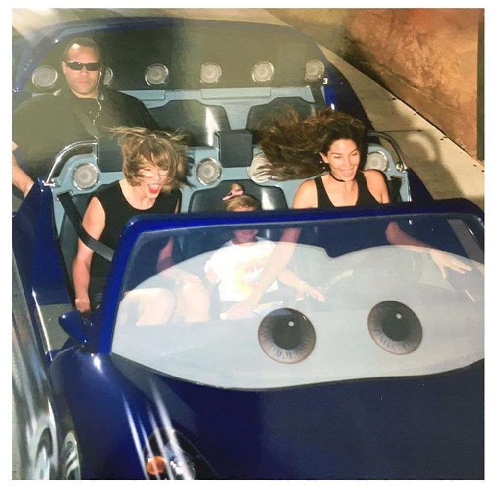 Guarda-costas de Taylor Swift em pleno exercício da sua função