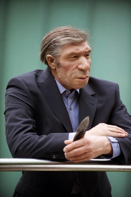 Esta é uma reconstituição de um Neanderthal vestido como se vivesse nos dias atuais