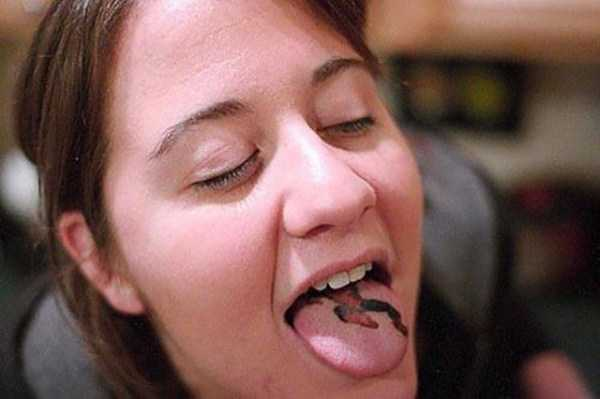 ridiculous-tongue-tattoos-18