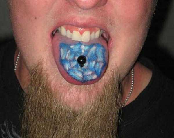 ridiculous-tongue-tattoos-23