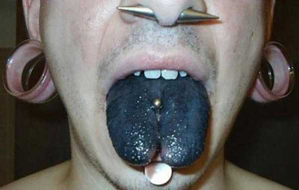 ridiculous-tongue-tattoos-29