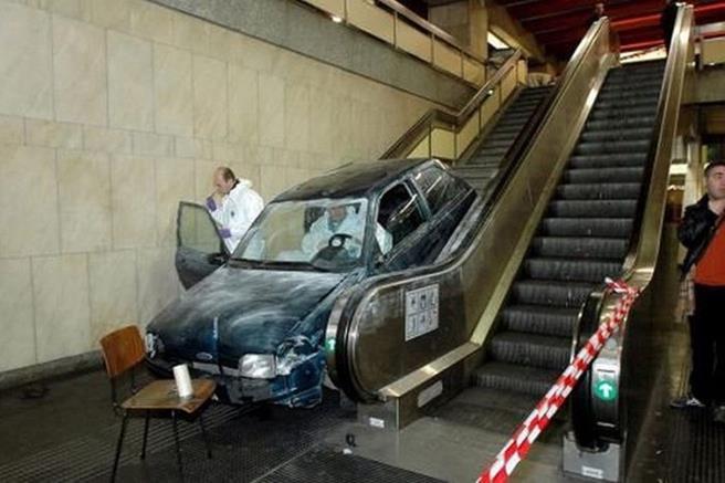 strange_car_accidents_03