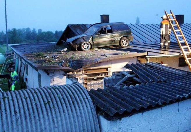 strange_car_accidents_09