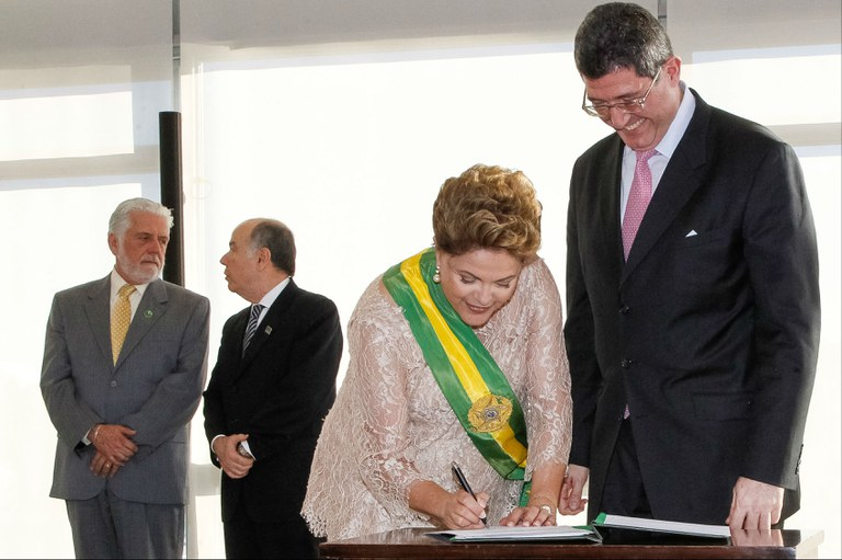 Dilma Rousseff e Joaquim Levy durante a posse: eles podem mexer com os ricos?   Roberto Stuckert Filho / PR