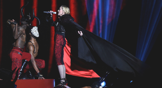Madonna pouco antes de cair no Brit Awards - Gareth Cattermole/Getty Images