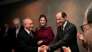 Paulo Skaf com Michel Temer e a vice-primeira-dama Marcela Temer (Foto: Divulgação)