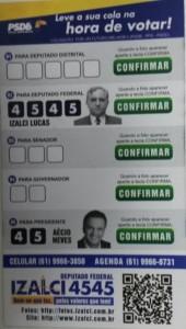 Santinho distribuído pelo candidato à reeleição Izalci Lucas (PSDB-DF).