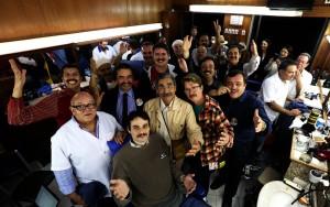 """O candidato Olívio Dutra (PT-RS) e seus apoiadores, em """"bigodaço"""" durante a campanha.  Foto: Emilio Pedroso/UPPRS/Divulgação."""