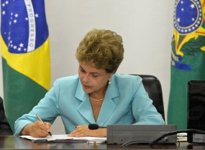 Mais magra, Dilma adere à musculação para manter a forma