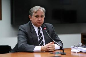 Presidente do PSDB-DF diz que ameaças contra Dilma são atos individuais de tucano
