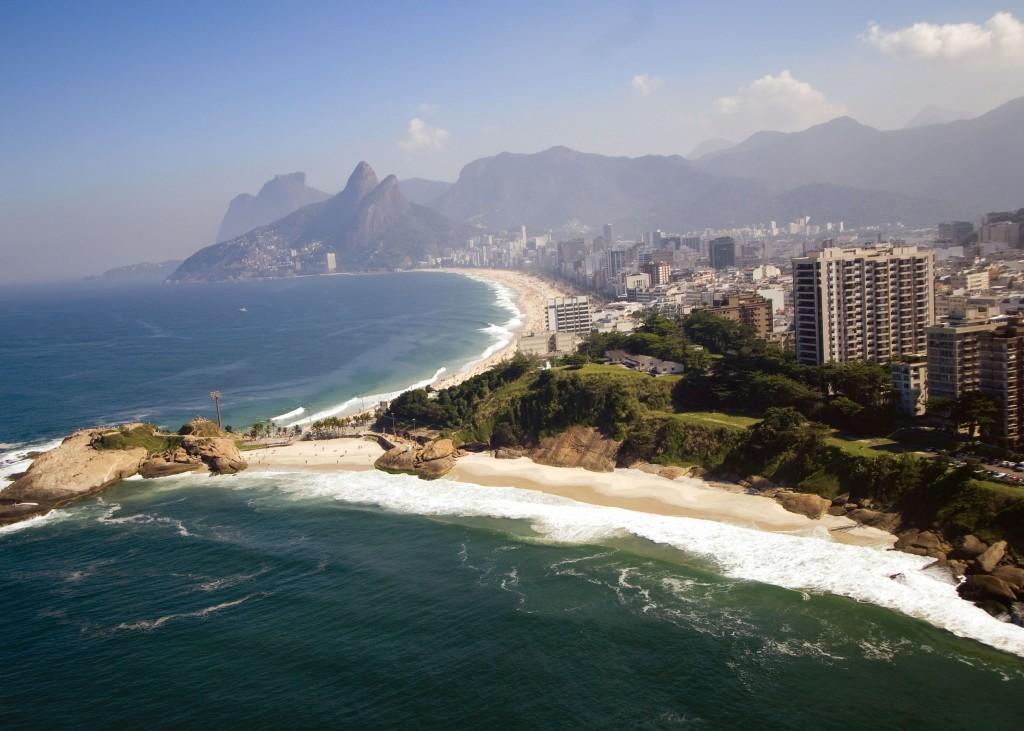 Praia do Diabo, com Ipanema e Leblon ao fundo