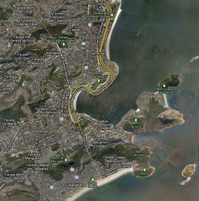 Vista aérea do Rio, com o o trecho entre os morros Cara de Cão e Pão de Acúcar à direita