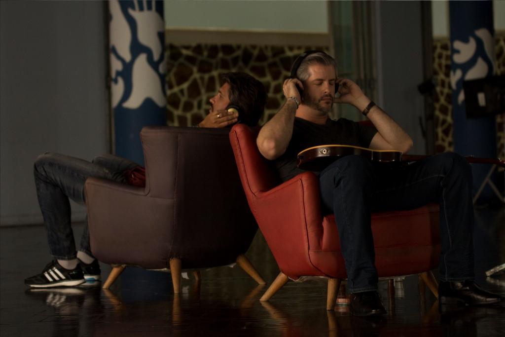 Victor e Leo em clipe de 'Caminhos Diferentes' (Fotos: Leo Crosara)