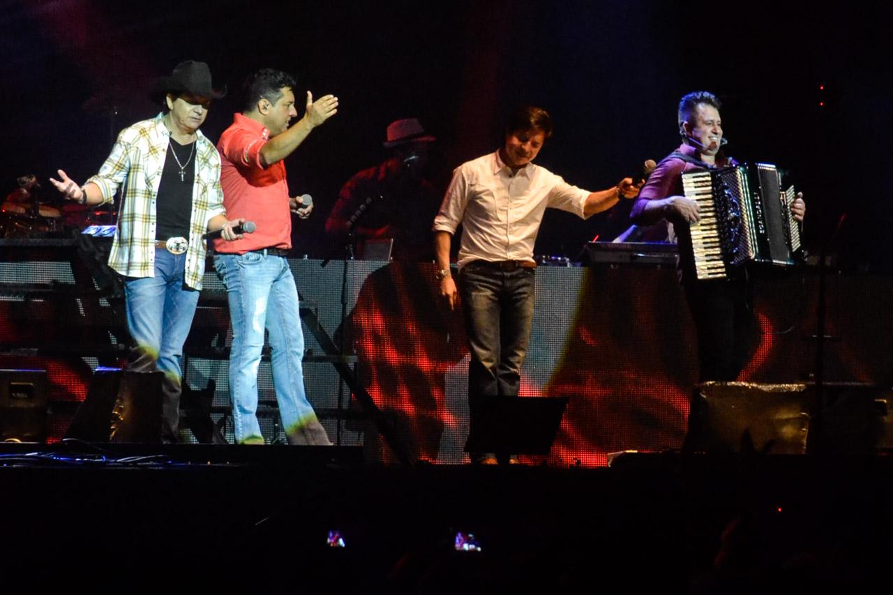 Chitãozinho, Xororó, Bruno e Marrone, juntos em projeto (Foto: CDC Shows e Eventos)