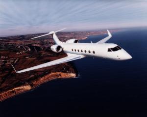 Gulfstream V: o prêmio da Mega-Sena compra, no máximo, uma das asas