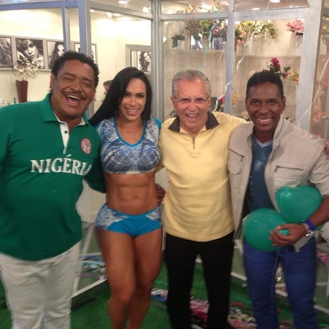 Fabi com Cumpadi Washington, Carlos Alberto de Nóbrega e Beto Jamaica