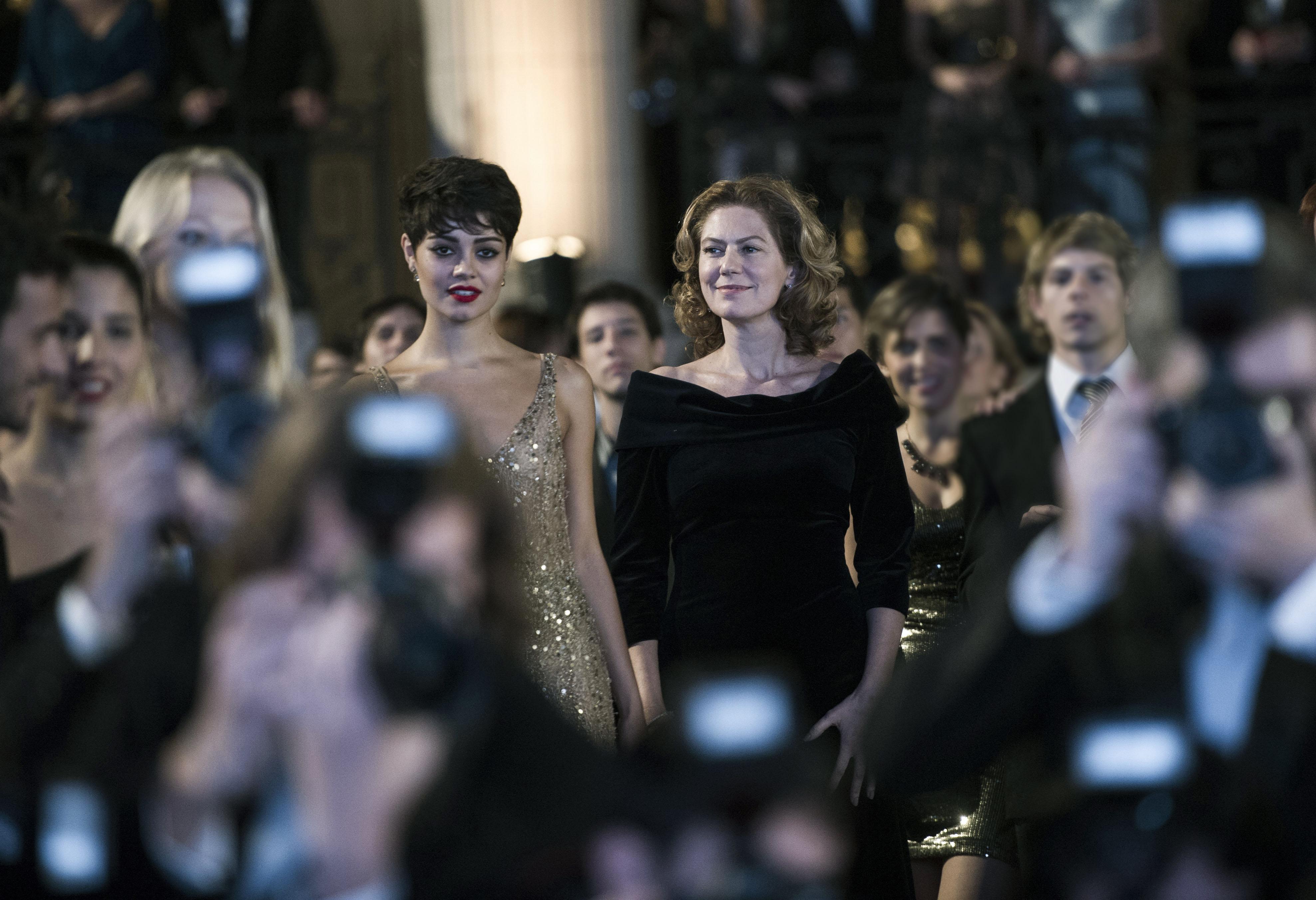 Sophie Charlotte e Patricia Pillar em cena. Crédito: Globo/Estevam Avellar