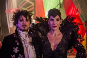 Edgard (Guilherme Piva) e Lucrécia (Helena Fernandes). Globo/Paulo Belote