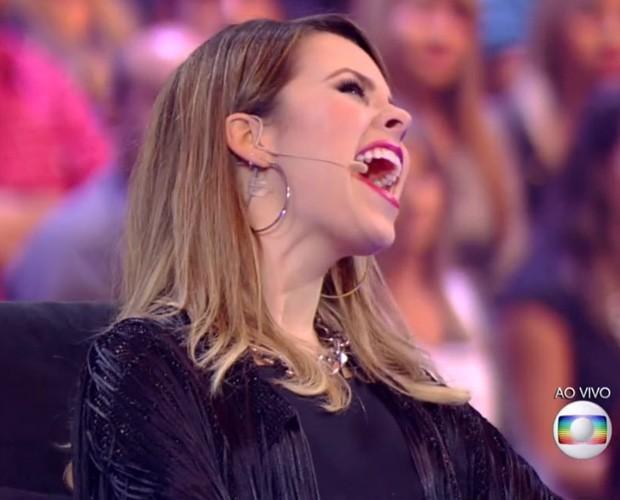 Sandy solta a voz, mas Silvio Santos canta mais alto na audiência
