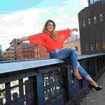 Isa assina contrato em Nova York