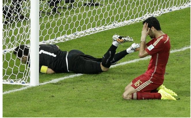 Gol do Chile e ressaca da seleção espanhola.