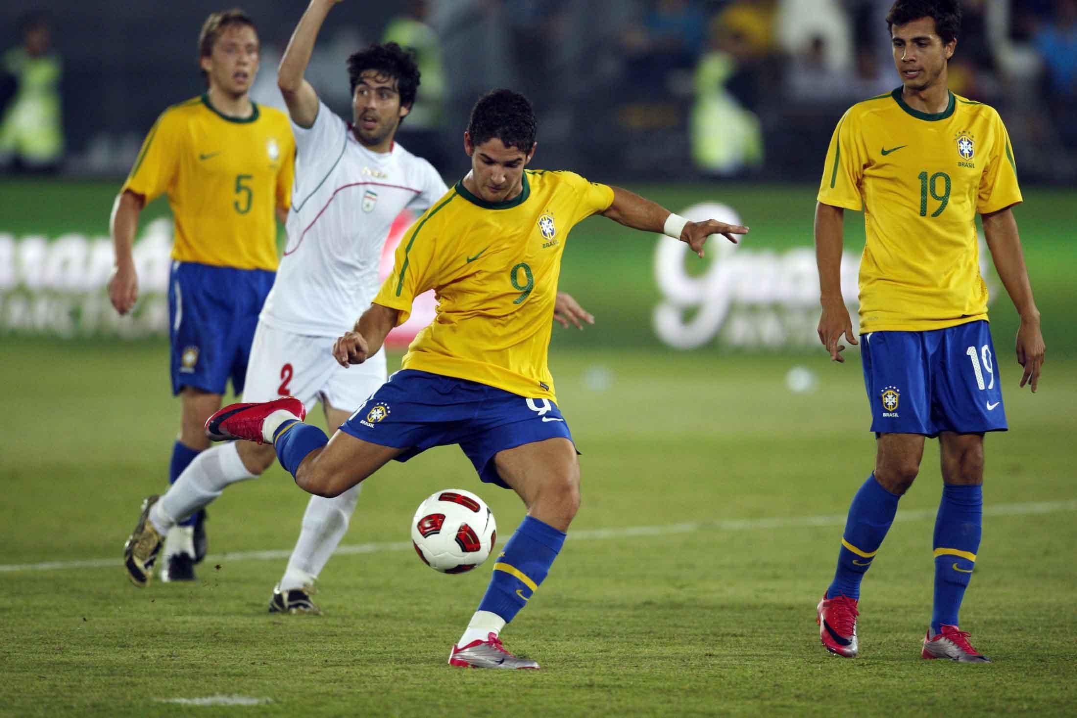 Jogo de futebol de time brasileiro