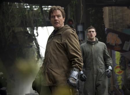 Bryan Cranston e Aaron Taylor-Jonhson em cena do filme (Foto: divulgação)