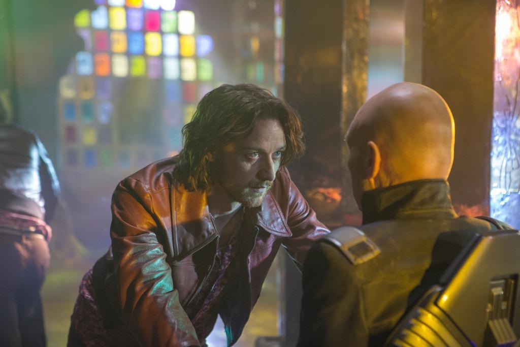 """O Xavier do passado encara o Xavier do futuro em um dos loops temporais de """"Dias de um futuro esquecido"""": jornada para dentro de si mesmo"""