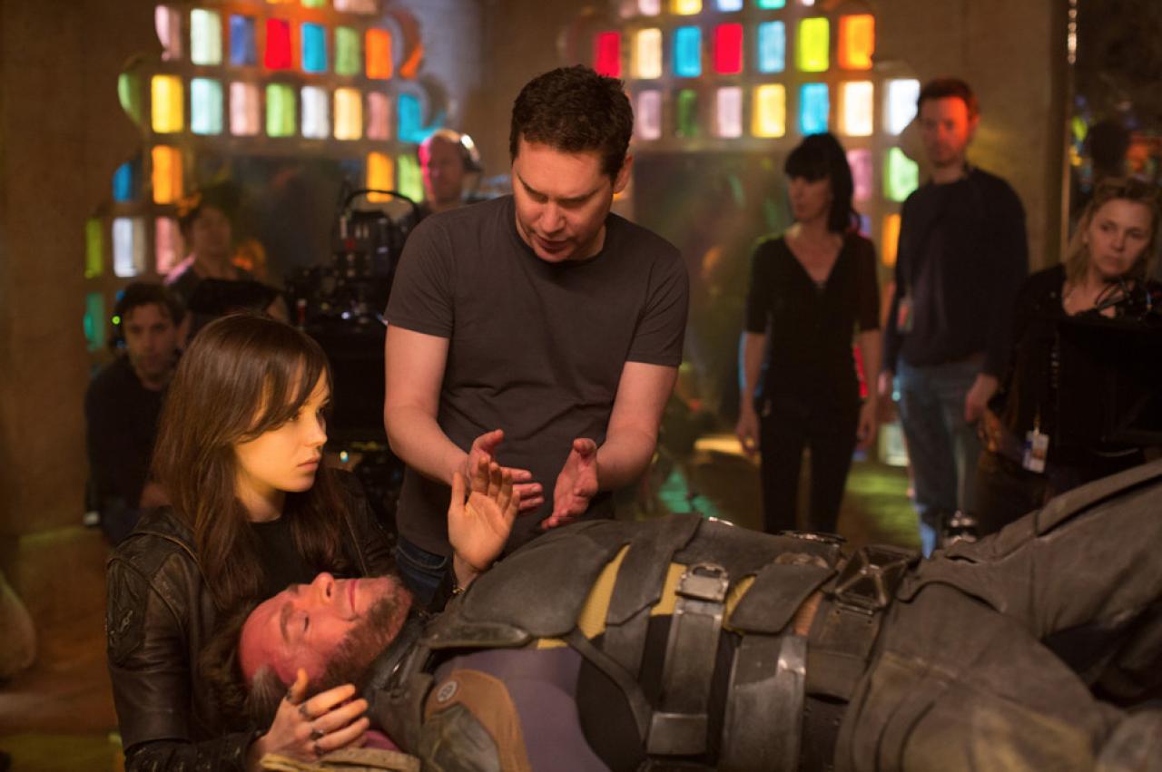 Singer explica a Ellen Page e Hugh Jackman como se comportar em uma viagem do tempo...
