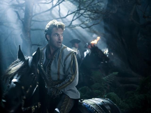 ... e seu príncipe interpretado por Chris Pine  (Fotos: divulgação)