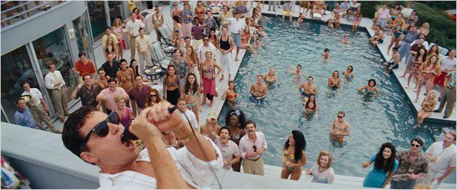 "O mundo essencialmente masculino de ""O lobo de Wall Street"", novo petardo de Martin Scorsese sobre o desvirtuamento do sonho americano"