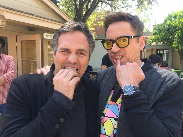 Downey Jr. brinca com Mark Ruffalo, o intérprete de Bruce Banner/ Hulk