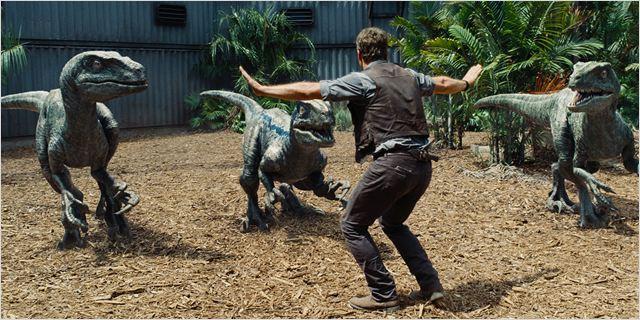 """""""Jurassic World - o mundo dos dinossauros"""""""