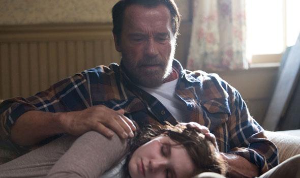 """Schwarzenegger chora pela filha que vira zumbi em """"Maggie"""", drama que estreou no festival de Tribeca: nova experimentação na carreira (Fotos: divulgação)"""