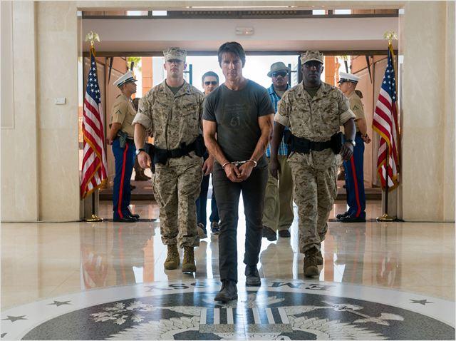 """Tom Cruise sofre muito em """"Nação secreta"""", uma metaforização valiosa de seu pathos atual em Hollywood (Fotos: divulgação)"""