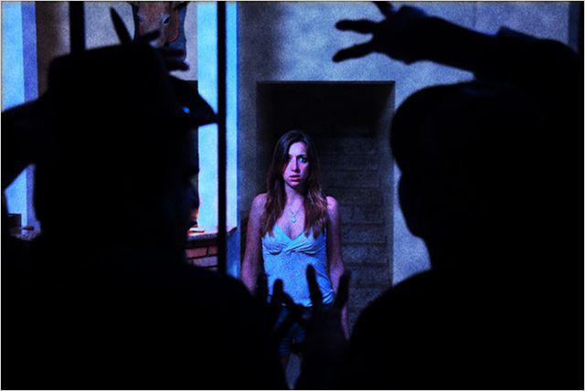 """A atriz em cena de """"Condado Macabro"""" (Foto: divulgação)"""