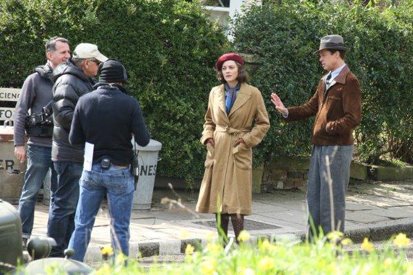 """Os atores Brad Pitt e Marion Cotillard filmam 'Allied"""" em Londres"""