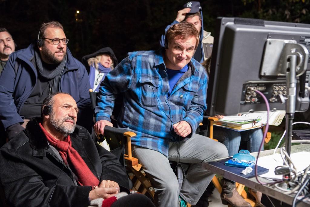 """O diretor Shane Blacke o produtor Joel Silver, à esquerda, no set de """"Dois Caras Legais"""" (Foto: divulgação)"""