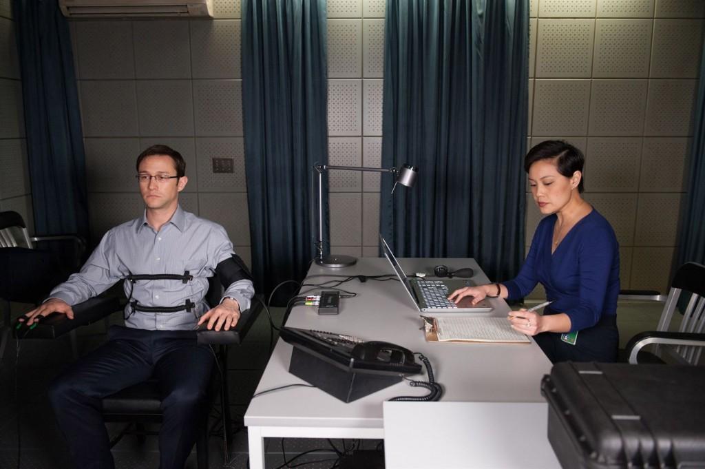 """Cena do filme """"Snowden: Herói ou Traidor"""""""