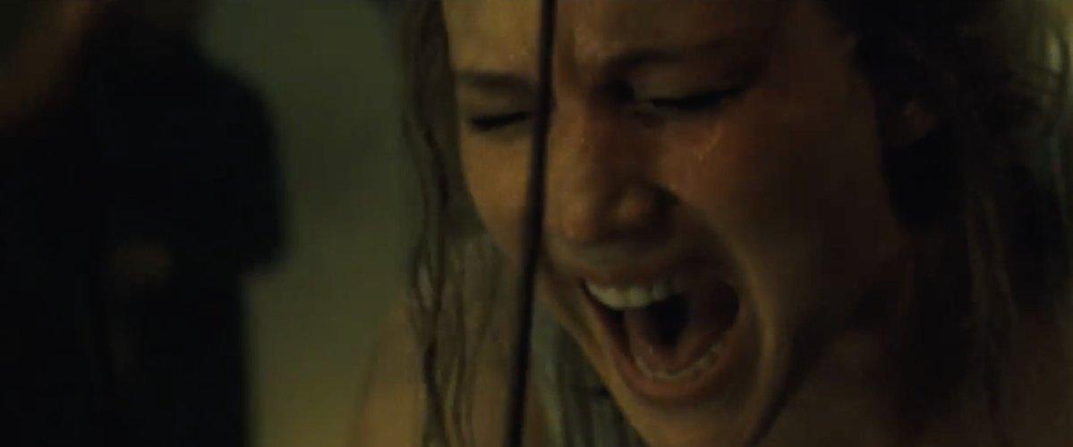 "Jennifer Lawrence em cena de ""Mãe"""