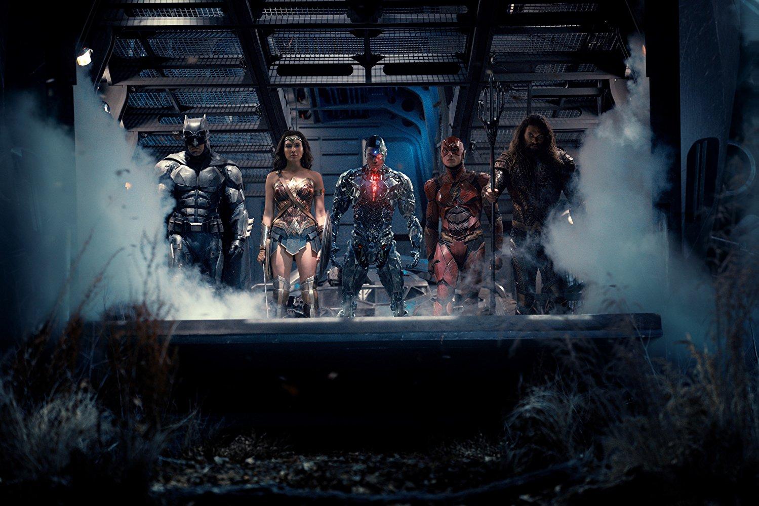 """Os heróis em """"Liga da Justiça"""" Fotos: divulgação"""