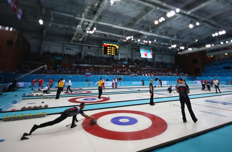 Visão geral da pista do Ice Cube Curling Center, em Sochi