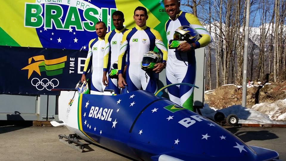 Um dos trenós do Brasil para os Jogos de Sochi, já com a pintura pronta