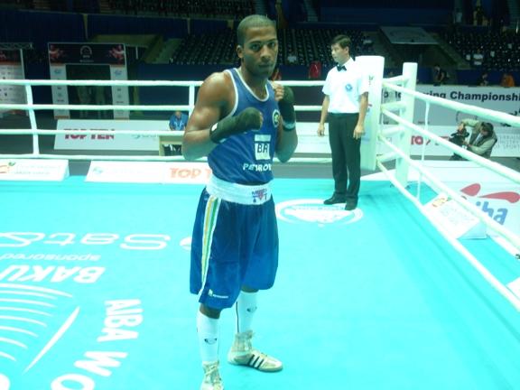 Everton Lopes foi campeão mundial de boxe em 2011