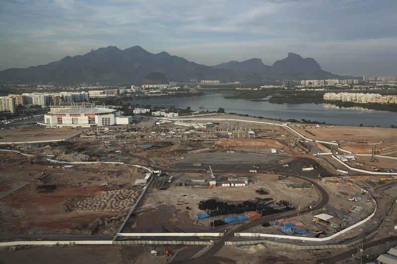 Visão aéra do Parque Olímpico do Rio, em Jacarepaguá, feita em maio